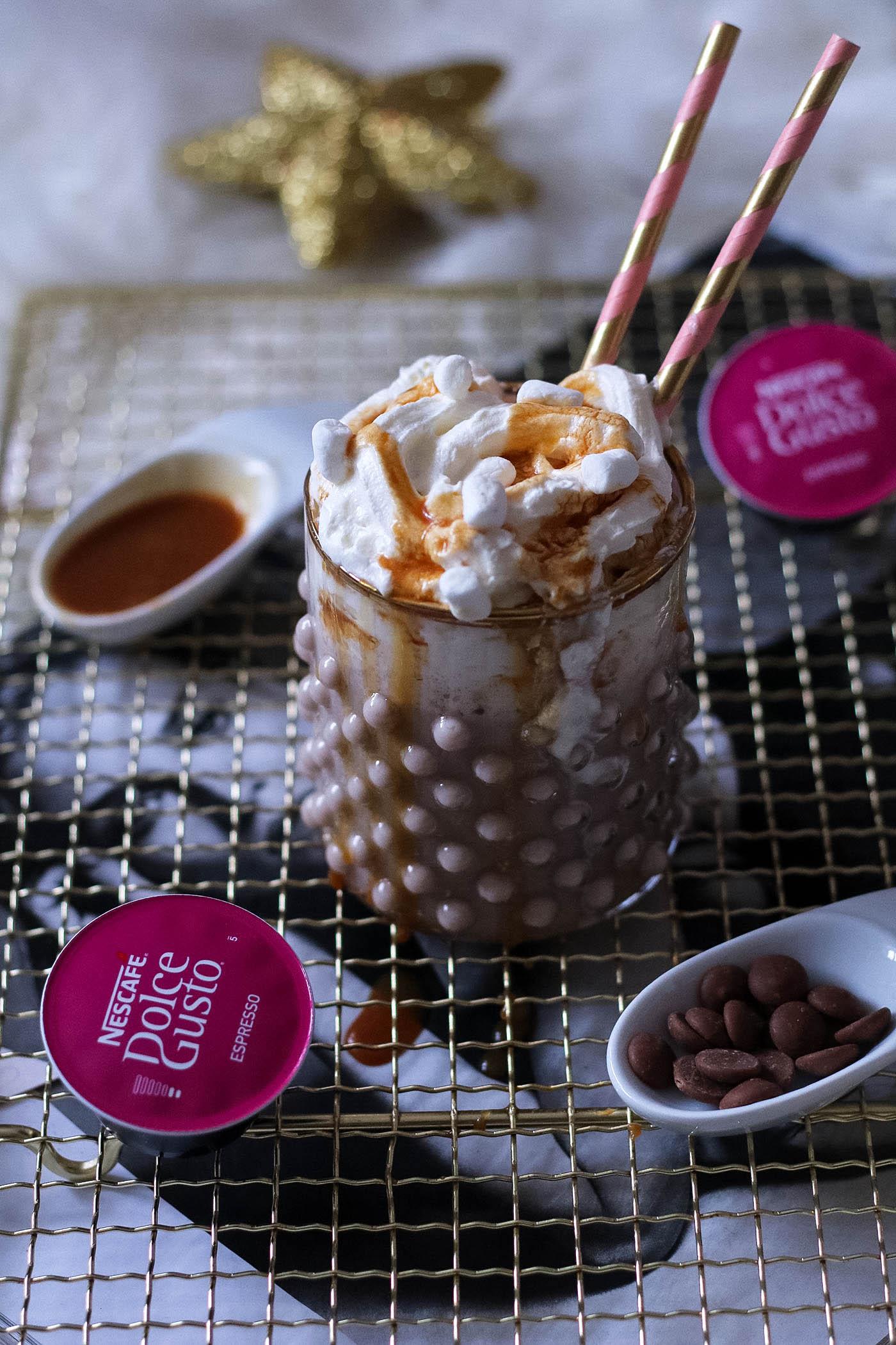 weihnachtlicher kaffeegenuss mit nescaf dolce gusto fashion passion love. Black Bedroom Furniture Sets. Home Design Ideas